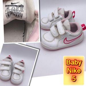 Nike Baby Girl size 5 Velcro